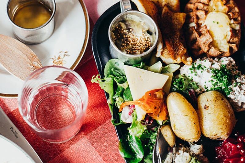 飲食店に求められるアフター/ウィズコロナ&集客方法を考察